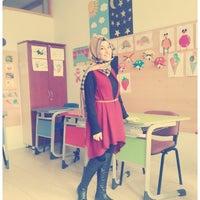 Das Foto wurde bei Hatay Özel Eğitim ve Uygulama Merkezi von Fethiye A. am 1/7/2015 aufgenommen