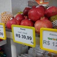 Foto tirada no(a) Tuti Fruti por Taiane O. em 9/7/2013