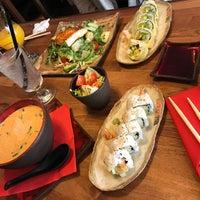 Снимок сделан в Oto Sushi пользователем Dana 4/19/2017