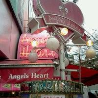 รูปภาพถ่ายที่ Angels Heart Harajuku Cafe Crepe โดย Fuyuhiko T. เมื่อ 10/28/2012