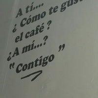 Foto tirada no(a) Cafe La Central por Pepe T. em 5/2/2016