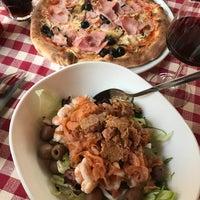 Foto tomada en Taverna Del Borgo Antico por Naty M. el 12/15/2017