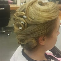 Photo taken at Mesut Sinan Hair Desing by TC Mesut S. on 12/1/2014
