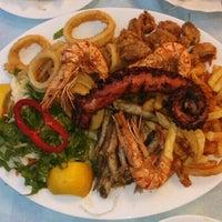 6/25/2016 tarihinde Boryanaziyaretçi tarafından Ψαροταβερνα Κουκλις / Kouklis Restaurant'de çekilen fotoğraf