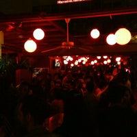 Foto diambil di Kinky Bar oleh Gustavo P. pada 5/18/2013