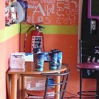 Photo taken at Tabu Wings by Gustavo P. on 7/26/2013