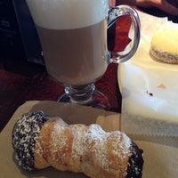 7/10/2014 tarihinde Heather A.ziyaretçi tarafından Argentina Bakery'de çekilen fotoğraf