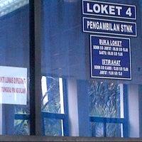 Photo taken at Samsat Jakarta Timur by Nelly Astria P. on 12/28/2012