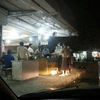 Das Foto wurde bei Khanna Market von Marietta U. am 5/14/2013 aufgenommen