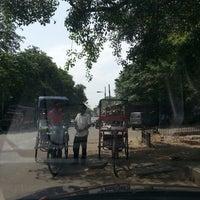 Das Foto wurde bei Khanna Market von Marietta U. am 5/12/2013 aufgenommen