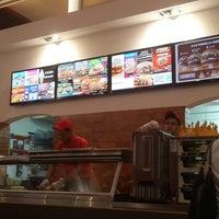 Photo taken at Burger King by Meli R. on 11/8/2013