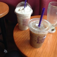 Photo taken at The Coffee Bean & Tea Leaf by Hanna D. on 6/2/2014