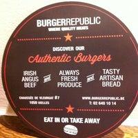 รูปภาพถ่ายที่ Burger Republic โดย Jean-Sebastien L. เมื่อ 2/26/2013
