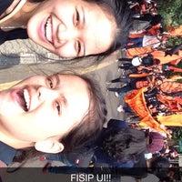Photo taken at Fakultas Ilmu Sosial dan Ilmu Politik (FISIP) by Gretha B. on 10/31/2014