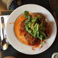 Photo taken at Bio Restaurant by Fabiana C. on 5/24/2015