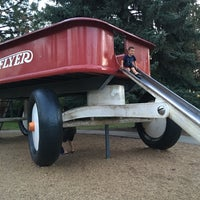 Photo taken at Radio Flyer by Michelle H. on 7/20/2016