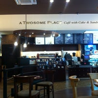 Photo taken at A TWOSOME PLACE by Somin L. on 6/11/2013