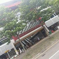Photo taken at Taman Jurong Market & Food Centre by Birunthaban S. on 12/31/2016
