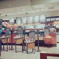Photo taken at Starbucks by Janice H. on 2/27/2016