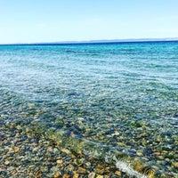 Photo taken at güneyli plajı by İlte® U. on 7/15/2017