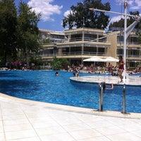Photo taken at tck yüzme havuzu by Cüneyt A. on 6/22/2014