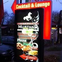 Das Foto wurde bei Restaurant Mustang von Frank R. am 11/3/2012 aufgenommen