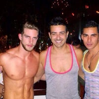 Foto tomada en Kinky Bar por Kinky Bar el 4/15/2014