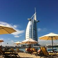 2/8/2013 tarihinde Simona R.ziyaretçi tarafından Jumeirah Beach Hotel'de çekilen fotoğraf