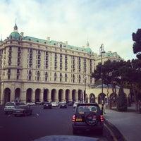 Снимок сделан в Four Seasons Hotel Baku пользователем Andrew B. 11/24/2012