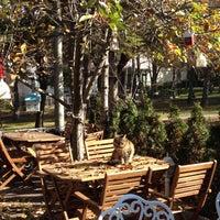 12/6/2015 tarihinde İpekziyaretçi tarafından Cafe Bi'Kavanoz'de çekilen fotoğraf