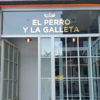 Foto scattata a El Perro y La Galleta da LasMonicadas il 7/21/2015
