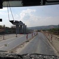 Photo taken at ICA 3. Boğaz Köprüsü Kuzey Marmara Otoyolu ÖZFER ASFALT Şantiyesi by Muhammed B. on 4/17/2014