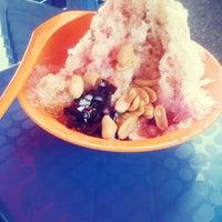 Photo taken at Coconut Shake Meru by Sahidatul F. on 10/15/2013