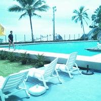 Photo taken at Caiobá Praia Hotel by Alexandre F. on 11/17/2013