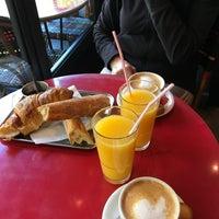 Foto tomada en Café Le Quartier Général por Daniel S. el 5/12/2017