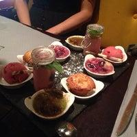 Foto tirada no(a) Demi Lune Café por Irene M. em 7/19/2013
