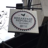 รูปภาพถ่ายที่ Breakfast Republic โดย Todd D. เมื่อ 3/24/2018