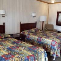 Photo taken at Modern Motel by Rusty W. on 3/16/2015