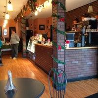 Foto tirada no(a) Brew Coffee House por Mark A. em 12/23/2012