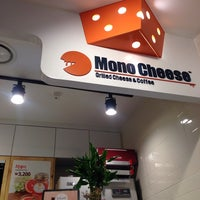 Photo taken at 모노치즈 / Mono Cheese by 김 개. on 11/16/2014