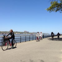 Foto scattata a Riverside Park - 91st Street Garden da Ken B. il 5/5/2013