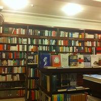 Foto tomada en Libreria Communitas por Patricio el 6/5/2013