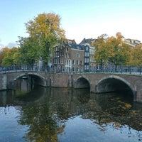 10/18/2016 tarihinde Aigul K.ziyaretçi tarafından Reguliersgracht'de çekilen fotoğraf