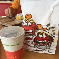 Photo taken at McDonald's by Ale A. on 5/15/2015