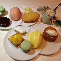 Photo taken at Restaurant Guy Savoy by Gordon Y. on 9/4/2014