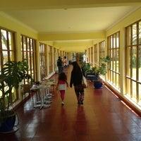 รูปภาพถ่ายที่ bar termas quinamavida โดย cristian m. เมื่อ 1/28/2014