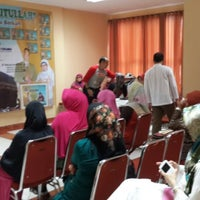 Photo taken at Saung Edi by YDwi M. on 5/10/2014