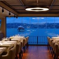 10/18/2013 tarihinde Circle Restaurant & Cafeziyaretçi tarafından Circle Restaurant & Cafe'de çekilen fotoğraf
