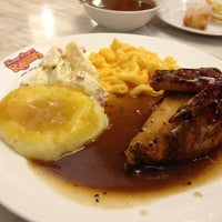 Photo taken at Kenny Rogers Roasters by 5N on 8/27/2013