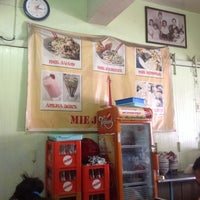 Photo taken at Mie Jakarta 69 Peterongan by Baby S. on 1/14/2014